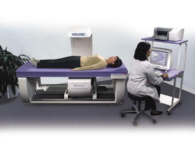 đo loãng xương với thiết bị hiện đại