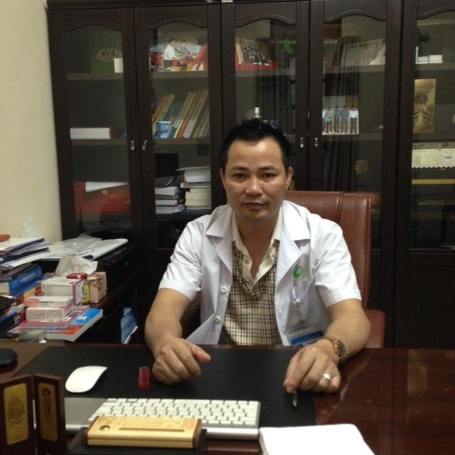 Bác sĩ Mai Trọng Hưng