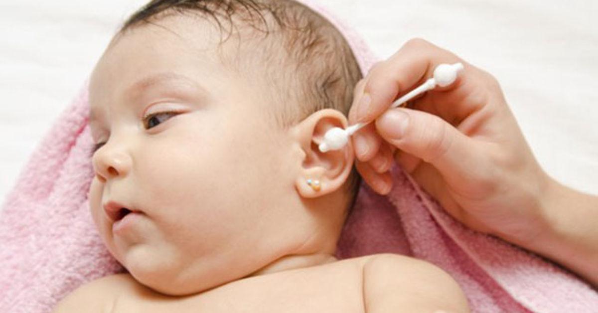 Triệu chứng bệnh Viêm tai giữa ở trẻ em và 5 biến chứng nguy hiểm