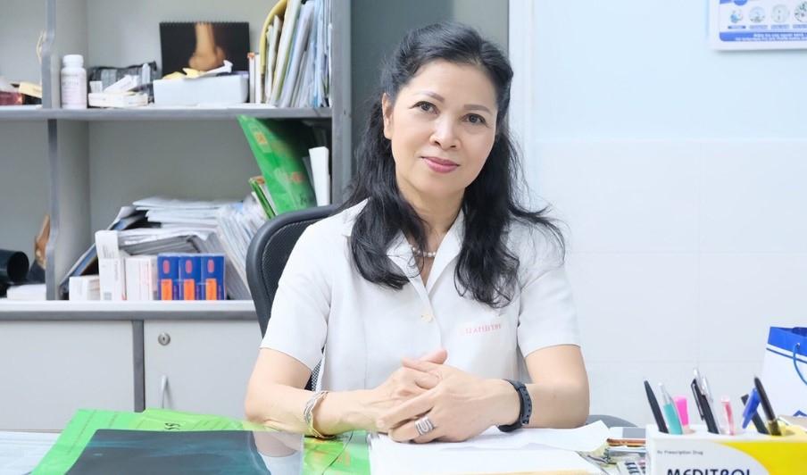 PGS.TS.BS Lê Anh Thư - 40 năm kinh nghiệm khám chữa viêm khớp dạng thấp