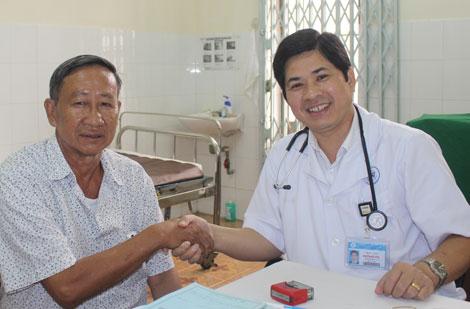Bác sĩ Nguyễn Đức Công khám chữa cao huyết áp